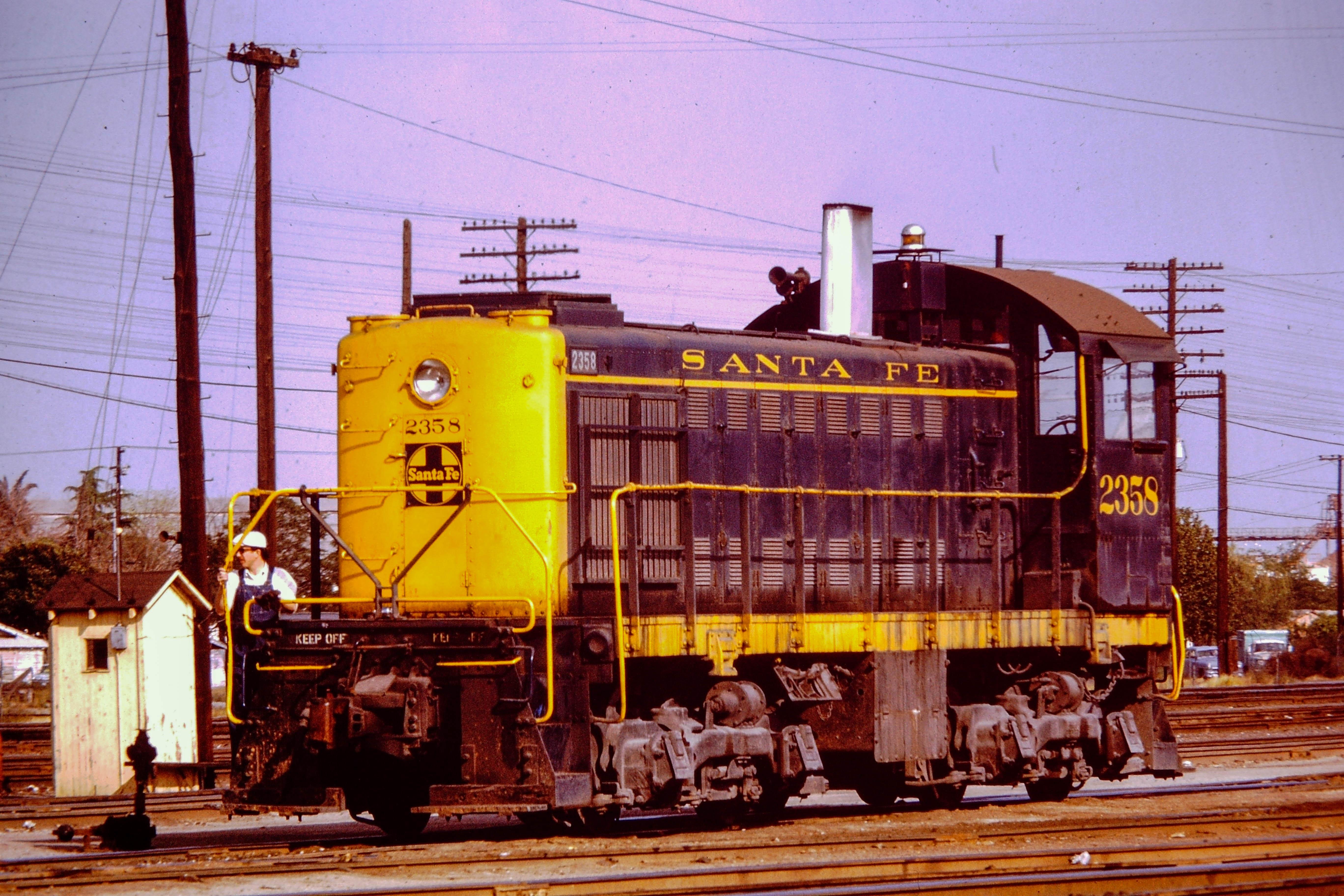 ATSF 2358 April 1973